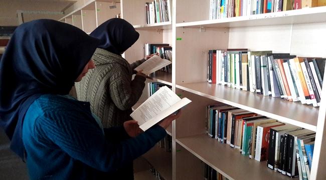 Aksaray Haber - AKSARAY'DA BU OKULUN ÖĞRENCİLERİ KİTAP OKUYOR