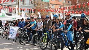 Aksaray'da Sigarayla mücadeleye bisikletli destek!