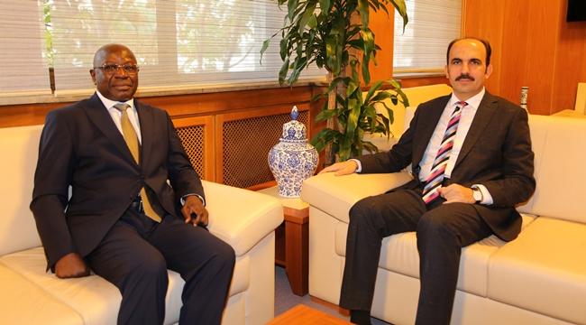 Benin Büyükelçisi Gomina Başkan Altay'ı Ziyaret Etti