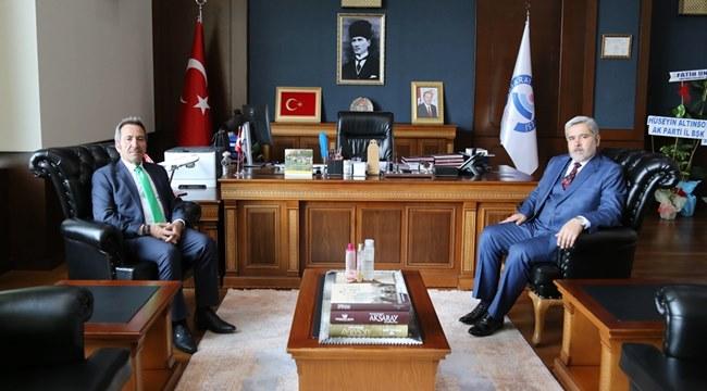 VALİ ALİ MANTI, REKTÖR ŞAHİN'E TEBRİK ZİYARETİNDE BULUNDU