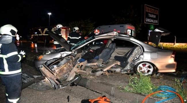 Aksaray'da feci kaza. 2 otomobil çarpıştı: 1 ölü 3 ağır yaralı
